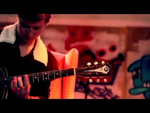 John Moran plays The Old Guitar