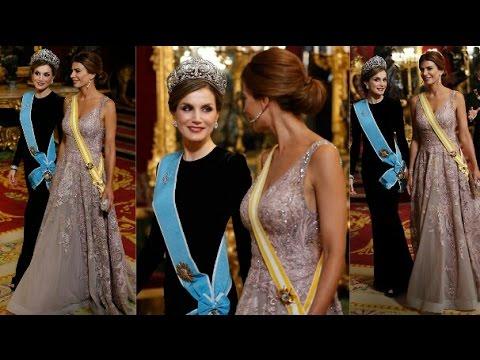 bddcef64b La Reina Letizia y Juliana Awada en la cena de gala con vestidos ...
