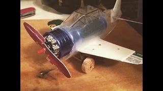 Мусорное искусство:Как из фонарика сделать модель самолета с мотором(https://instagram.com/vol4ok.tv/ 0:01-Вступление и Материалы для изготовления 1:30-Откуда появилась идея к созданию этой..., 2015-03-02T01:33:29.000Z)