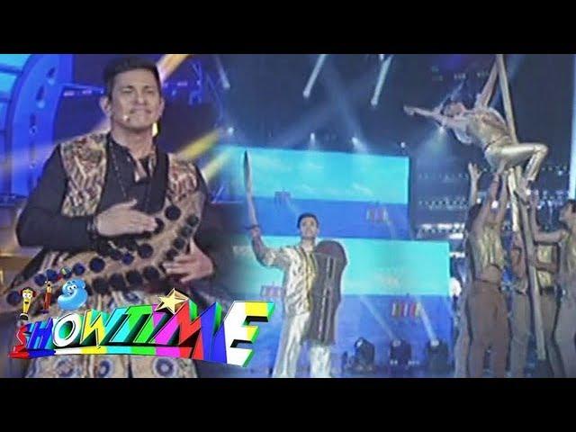 "It's Showtime: Gary V., Erik Santos and K. Brosas perform ""Kapayapaan"" in the style of ""Singkil"""