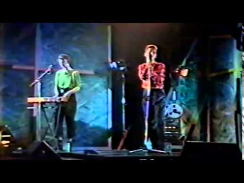 Depeche Mode - A Broken Frame Live (Hammersmith Odeon, London 25.10.1982)