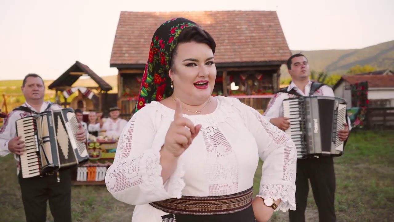 Ioana Luguzan Roxin si Orchestra Fratii  Sandru -  La multi ani Petrica