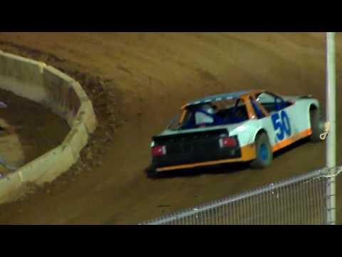 Friendship Motor Speedway(SUPER STOCK 4'S) part 1) 10-01-16