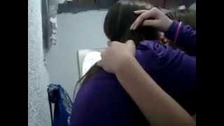 Lésbicas se beijando no banheiro  VIDEO REAL !!!!!!
