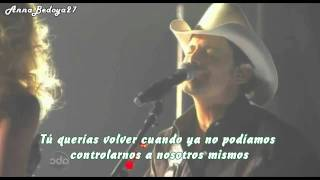 Brad Paisley ft Carrie Underwood - Remind Me (Traducida al español)  Live at the CMA Awards 2011