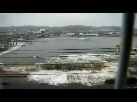 Цунами в Японии.Уникальное