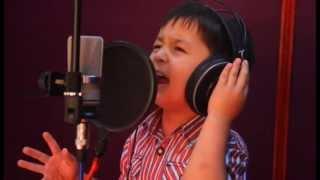 salambek.net СУПЕР 4-летний мальчик Журабек Жураев ЗАЖИГАЕТ на Таджикском! Чак чаки борони бахор