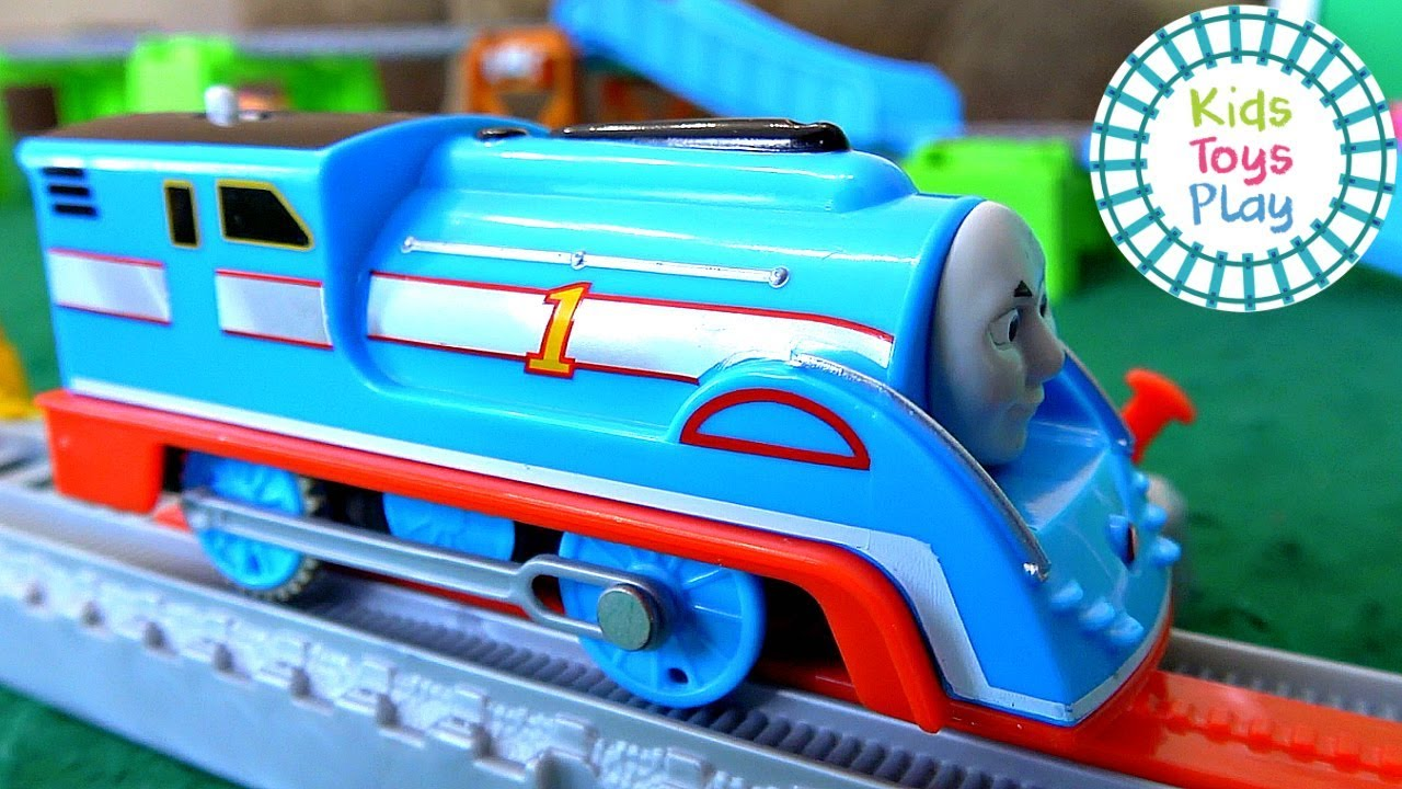 Thomas the Train Worlds Strongest Engine Boys VS Girls