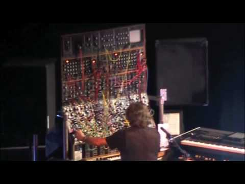 Keith Emerson breaks down the moog