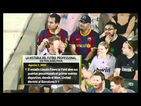 مشجعي برشلونة يجلسون مع مشجعي مدريد ضد فيلادلفيا