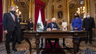 Байден отменяет указы Трампа