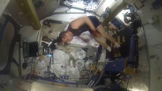Тренажерный зал на космической станции (МКС)