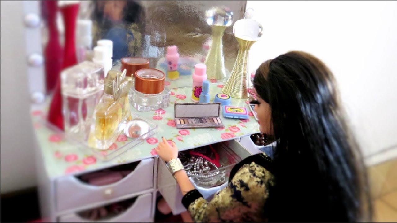 pelo quarto da barbie com móveis que ensinamos no canal @ artes da  #753035 1920x1080 Banheiro Da Barbie De Papelão
