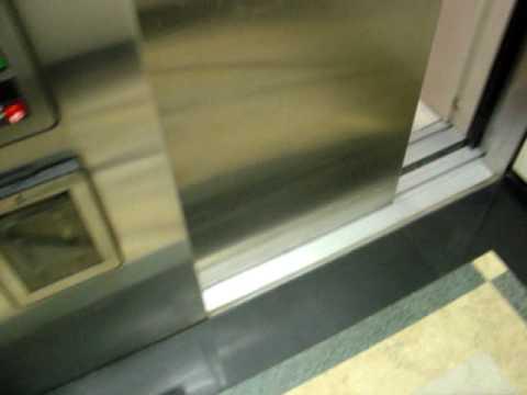 Otis Series 1 Hydraulic Elevators at Holiday Inn Express, Flint, MI