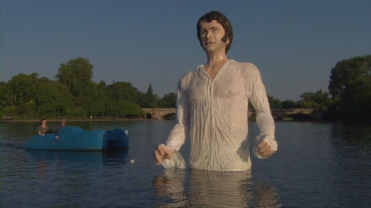 Giant Colin Firth As Mr Darcy Floats On The Serpentine -6577