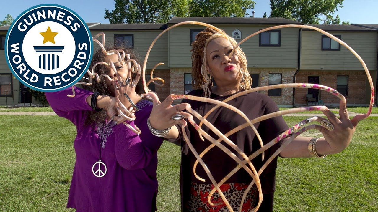 How to grow the world\'s longest fingernails - Guinness World Records ...