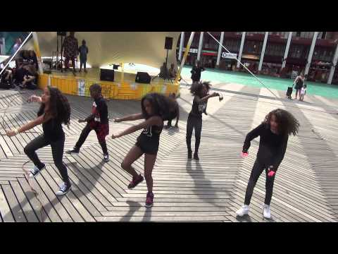 12 15 49 Moves Rotterdam 1e Talent West Kruiskade festival Schouwburgplein Rotterdam 2015 zo 09 08 1