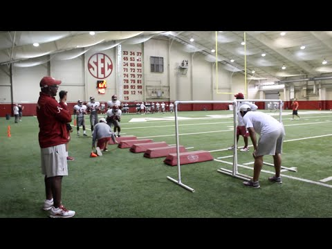 Alabama running back drills at fall practice