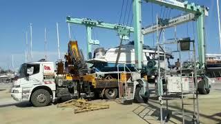Antalya Vinç Hizmetleri - Vinç İle Tekne Taşıma