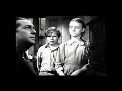 A Tree Grows in Brooklyn (1945) Trailer