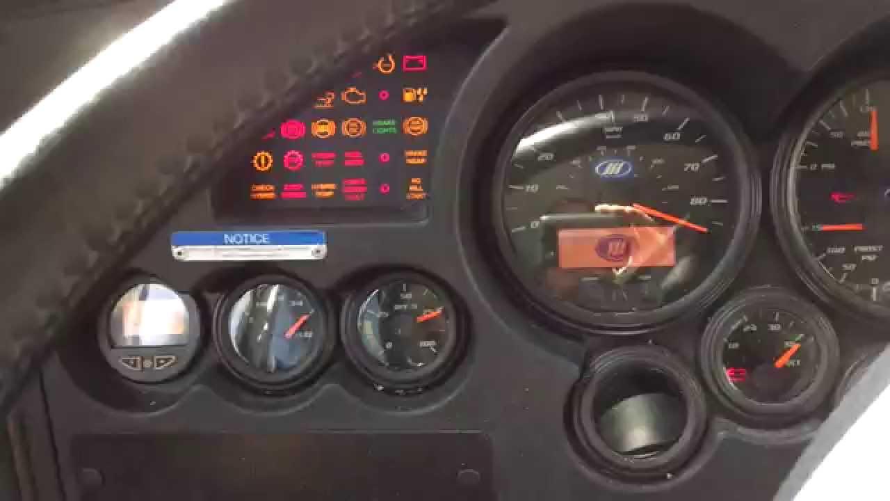 2013 MCI D4500 BUS