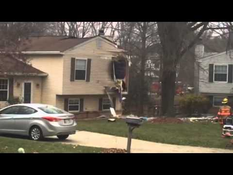 Plane crashes into homes in Gaithersburg, Maryland