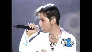 Raspberry Beret/Take Me With U (live at VH1 Honors) - Prince
