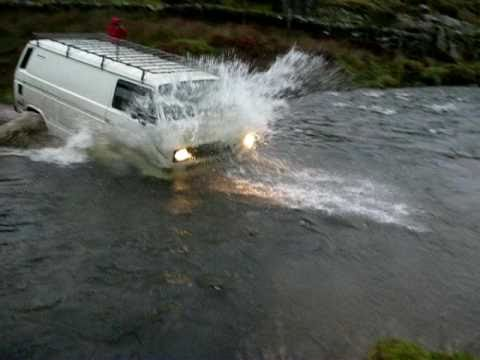 VW T25/T3 Syncro river crossing