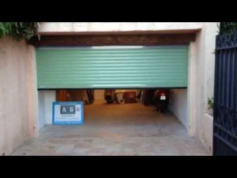 Porte De Garage Enroulable Motoris E Pos E Par Apg Acc S Portes De Garage Youtube