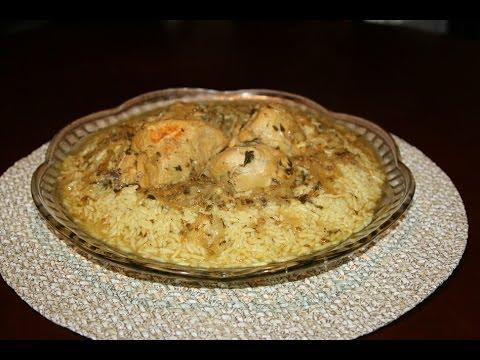 recette-poulet-au-riz-trempé-dans-une-sauce-orientale-à-l'oignon---recettes-maroc