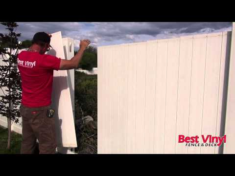 vinyl-fence-section-repair