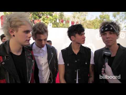 5 Seconds of Summer on the MTV VMAs Red Carpet 2014