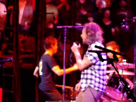 Pearl Jam - Soldier of Love - TD Banknorth Garden - Boston, MA 05/17/2010
