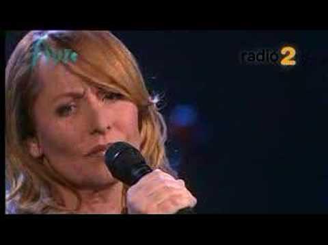 Angela Groothuizen - Bier en Bitterballen - Een Nieuwe Jas Live