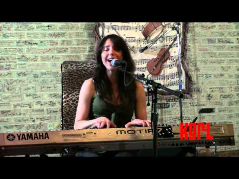 Shannon Hurley - Where I Stand (KGRL FPA Live Session)