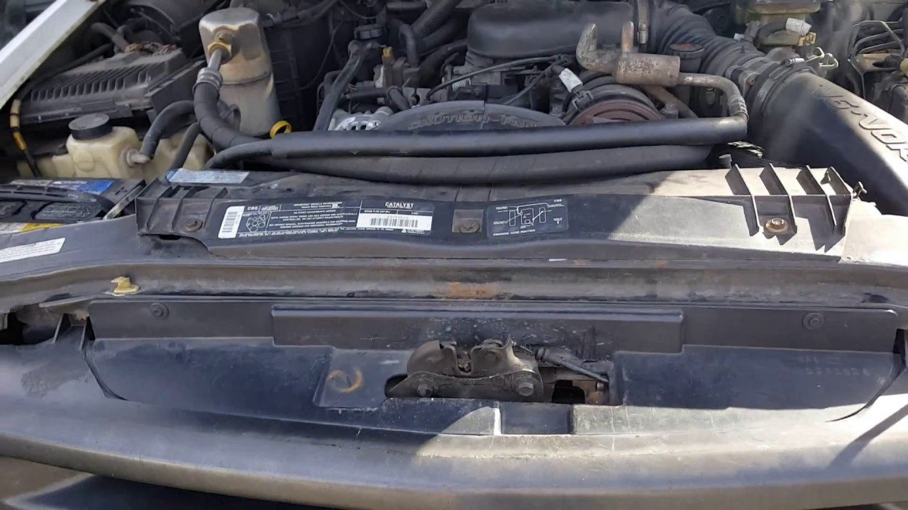 how to open a 1996 chevy blazer hood from the outside when the release cable breaks [ 1280 x 720 Pixel ]