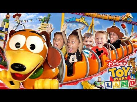 TOY STORY LAND Slinky Dog Dash Roller Coaster! Disney's Hollywood Studios Florida FUNnel Vision Vlog