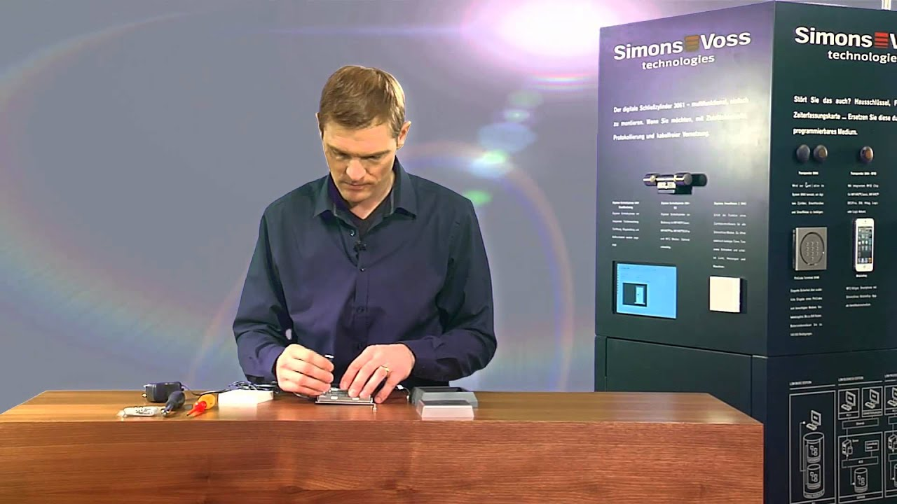 smart relais cover der schutzrahmen von simons voss. Black Bedroom Furniture Sets. Home Design Ideas