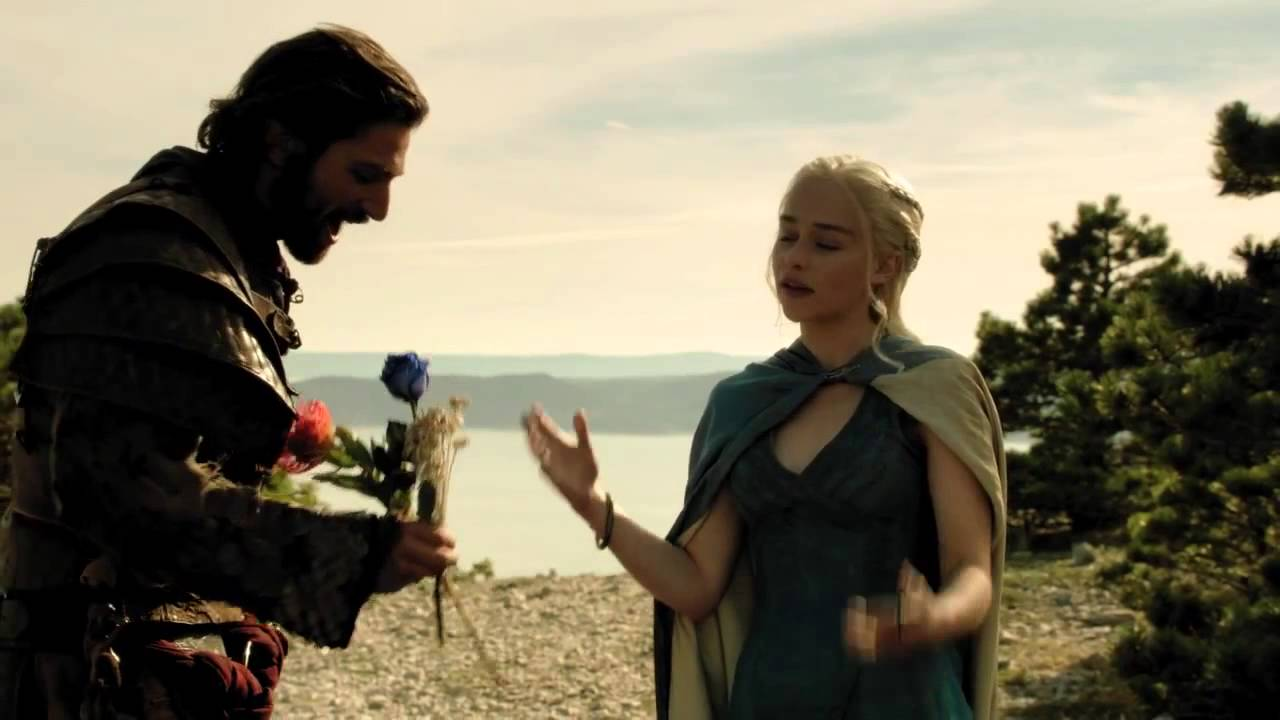 Emilia Clarke (Blooper): I'm a Khaleesi, Not a Queen