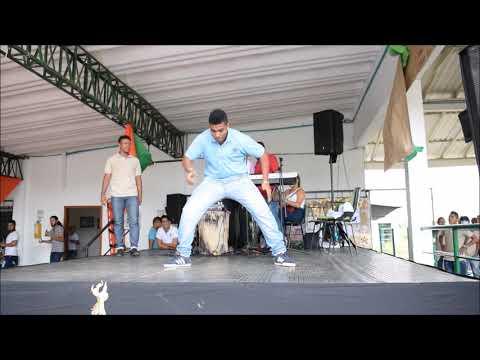 Santiago Dancer - Urban Moves