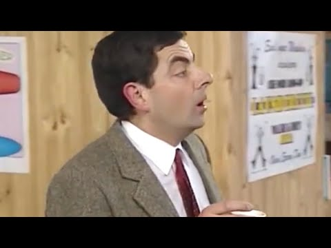 Bean Strolling | Funny Clips | Classic Mr Bean