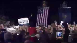 Mitt Romney Draws Huge Crowd @ Shady Brook Farm in Yardley, PA. 11/5/12