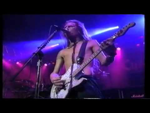 Alice In Chains Man In The Box & Sea Of Sorrow Live @ABC In Concert '91