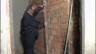 как самому штукатурить стену