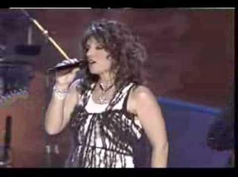 Selena Vive - Soraya ft. Barrio Boyzz: Dreaming of You
