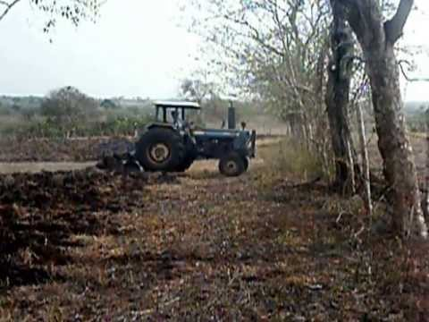 As se ara la tierra para cultivar youtube - Preparacion de la tierra para sembrar ...