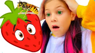Yes Yes Berries song like CoComelon by Eva Surprise