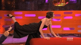 Anne Hathaway's Interstellar One-Legged Zero Gravity Move - The Graham Norton Show on BBC America