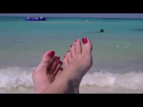 Cancun Shannon's feet