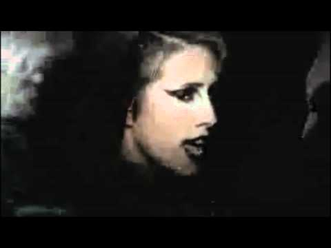 DEV Dancing In The Dark - with lyrics
